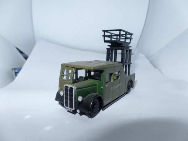 Corgi OOC 42102  AEC Trolleybus Tower Wagon London Transport Chiswick Green  UB